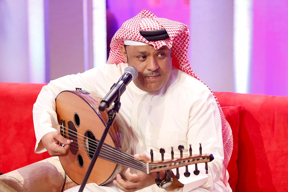 صورة الامير بندر بن محمد يساهم في عودة الفنان القدير علي بن محمد للغناء