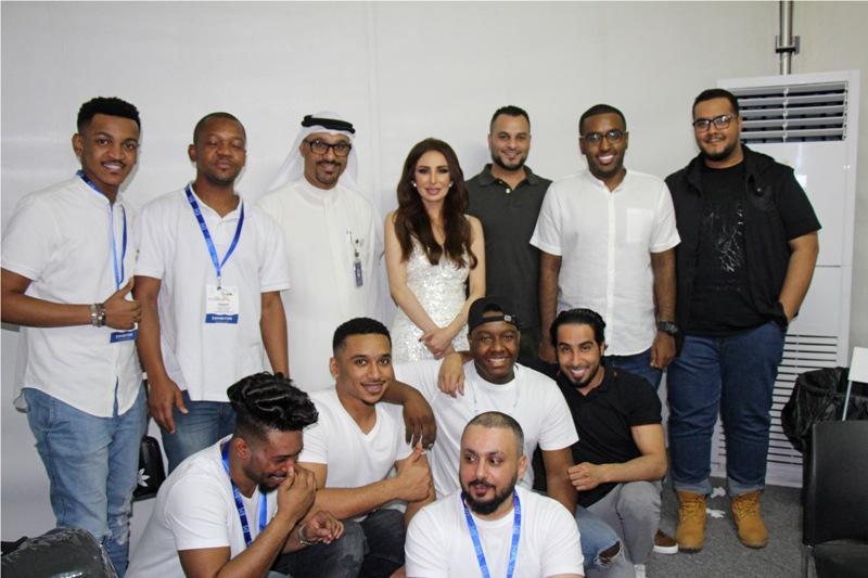 صورة فيصل الجاسم والفنانة عريب حمدان معا في دبي