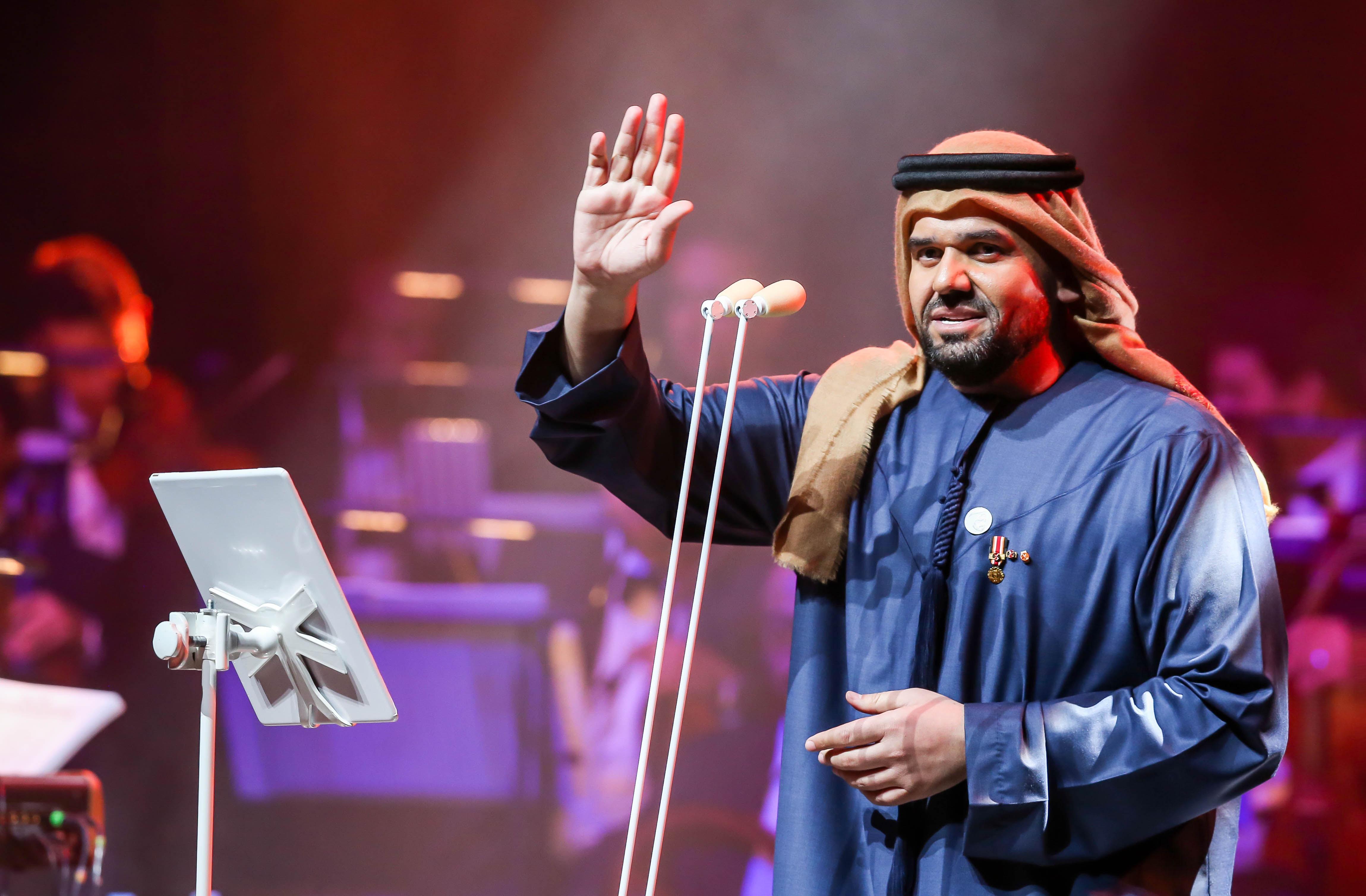 صورة حسين الجسمي اضاء دبي اوبرا في وداع 2018