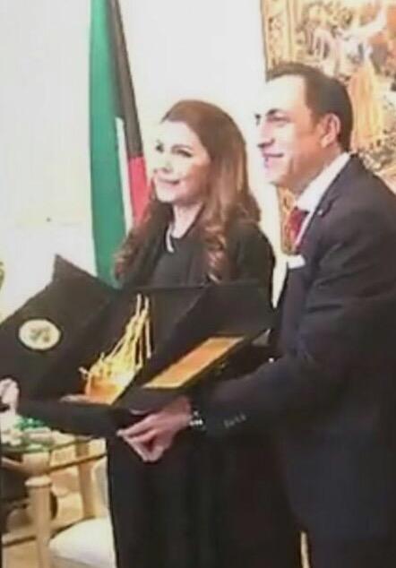 صورة في الكويت السفير يكرّم حلم لبنان