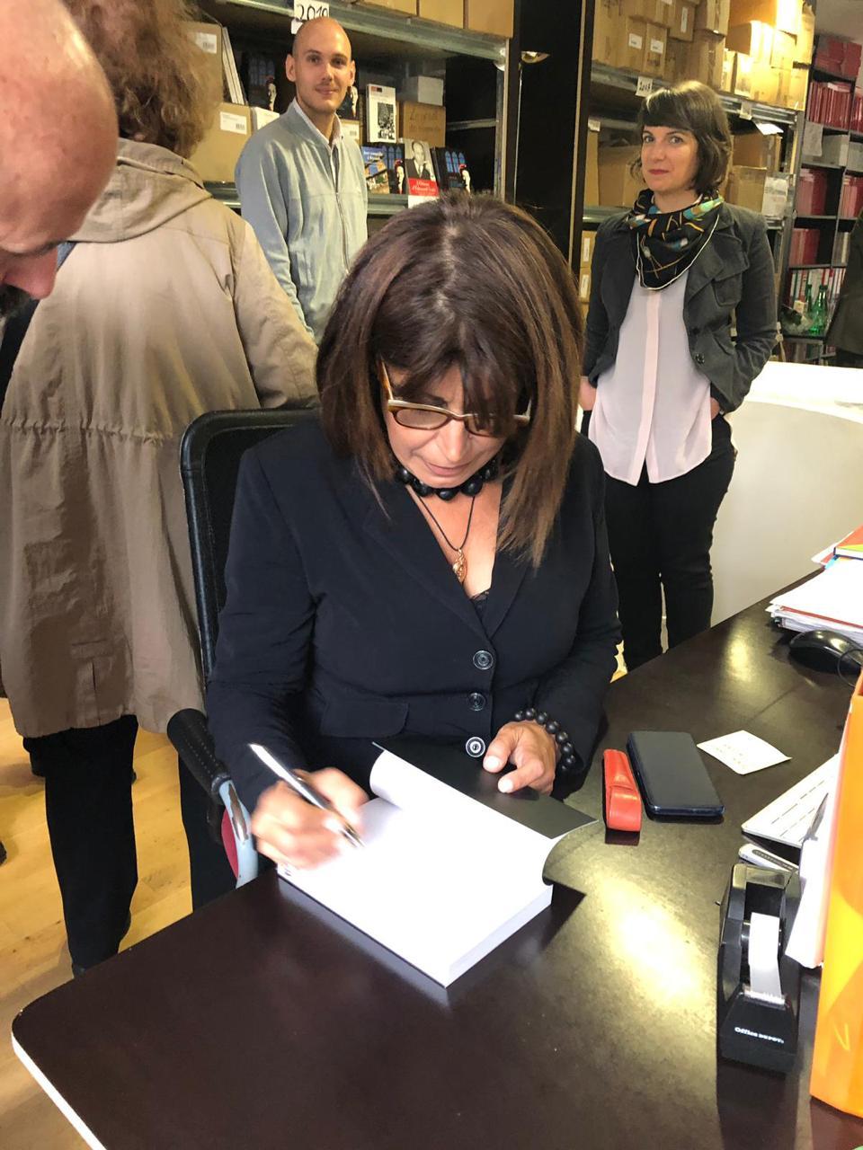 صورة ريجينا صنيفر تؤرخ الامة السورية بمذكرات السيدة جوليات انطون سعادة
