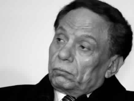 صورة اشرف زكي ينفي شائعة وفاة الزعيم