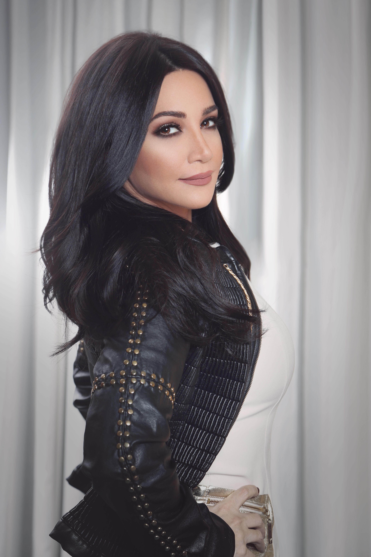 """صورة ديانا حداد تستقبل وتحتفل بالعام الجديد 2018 في """"سيتي ووك"""" بدبي"""