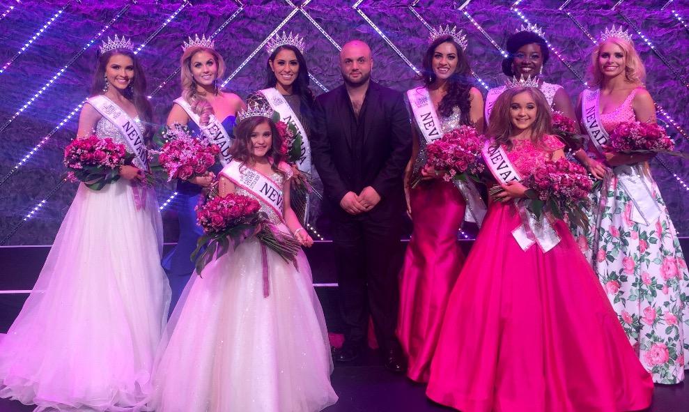 صورة ماذا يفعل آدم عفاره في حفل ملكة جمال نيفادا 2016؟