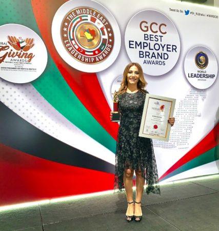 صورة كارن البستاني تفوز بجائزة افضل قيادية في الشرق الاوسط في دبي