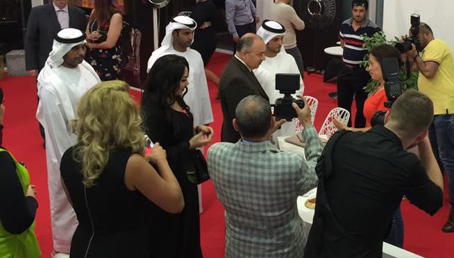 صورة طائرة خاصة هدية لزوار معرض لافلي للأزياء  في دبي