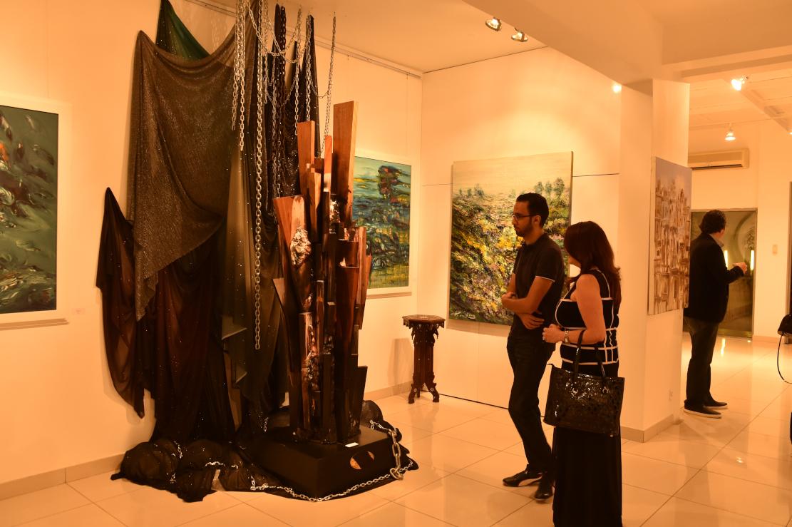 صورة الفنان بسام الحجلي يفتتح معرضه التشكيلي  رسائل كونية في دبي