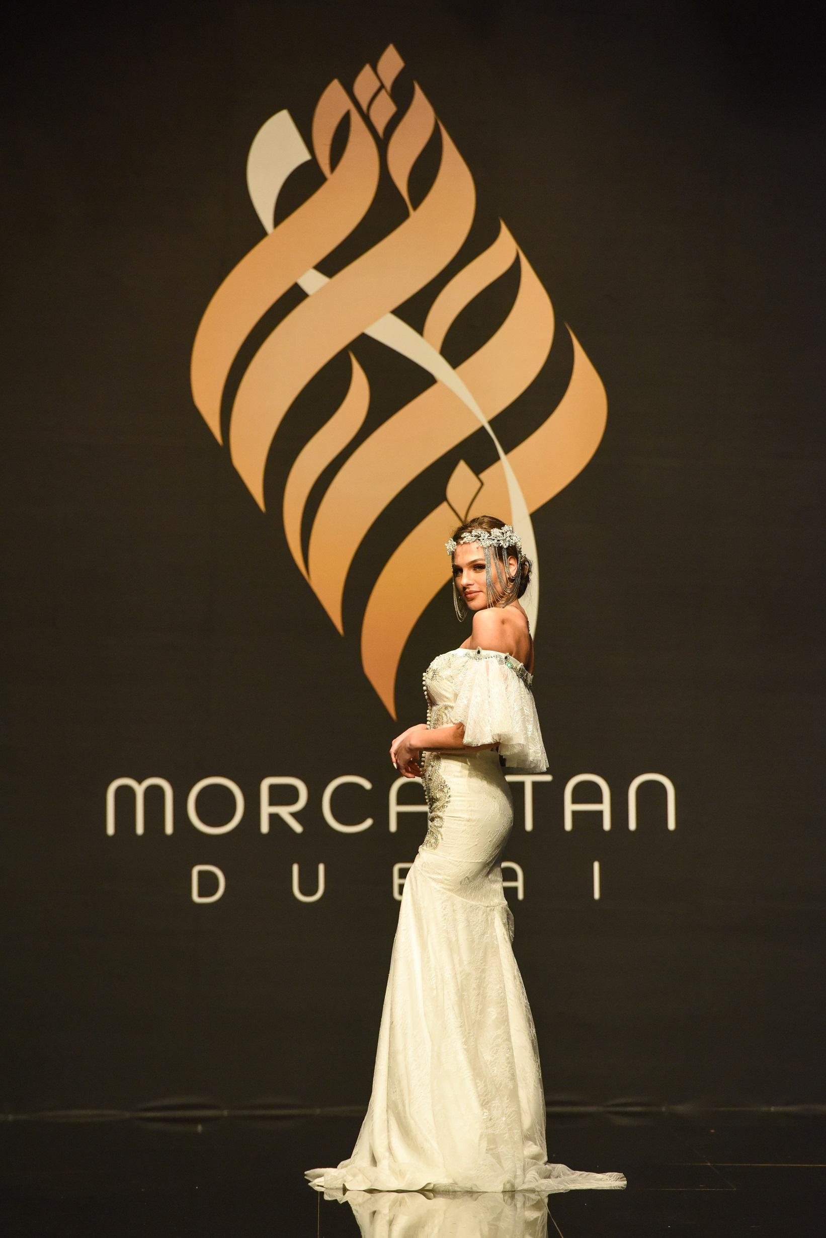 صورة القفطان المغربي يتألق في دبي