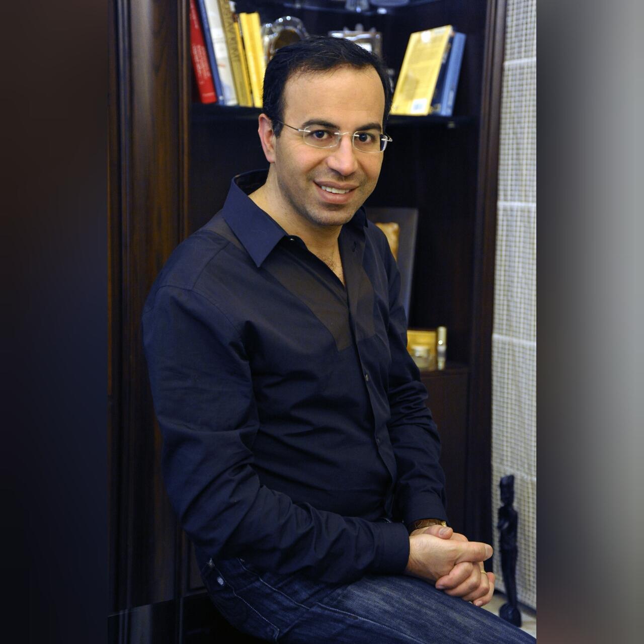 صورة د. نادر صعب يفتتح أضخم مستشفى تجميليّ يحمل اسمه في دبي