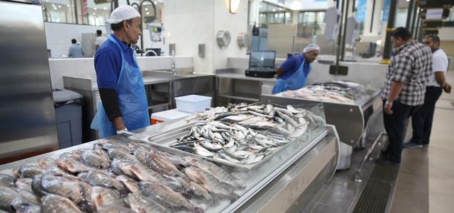 صورة ارتفاع في أسعار الأسماك.. وجدل حول الأسباب