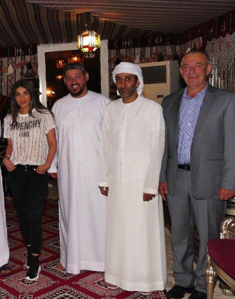 صورة النجوم على العشاء في دبي