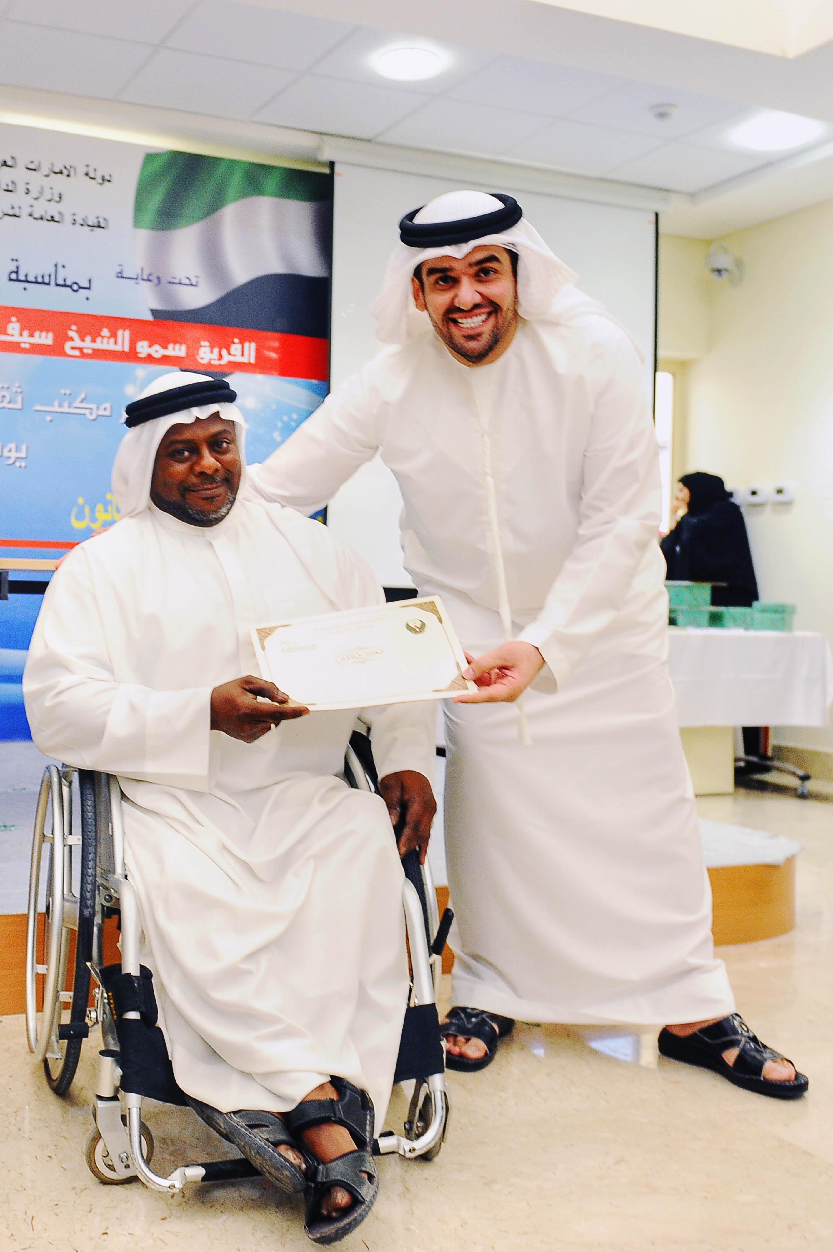 صورة حسين الجسمي والاعمال الانسانية شراكة خيرية تهدف الانسان العربي