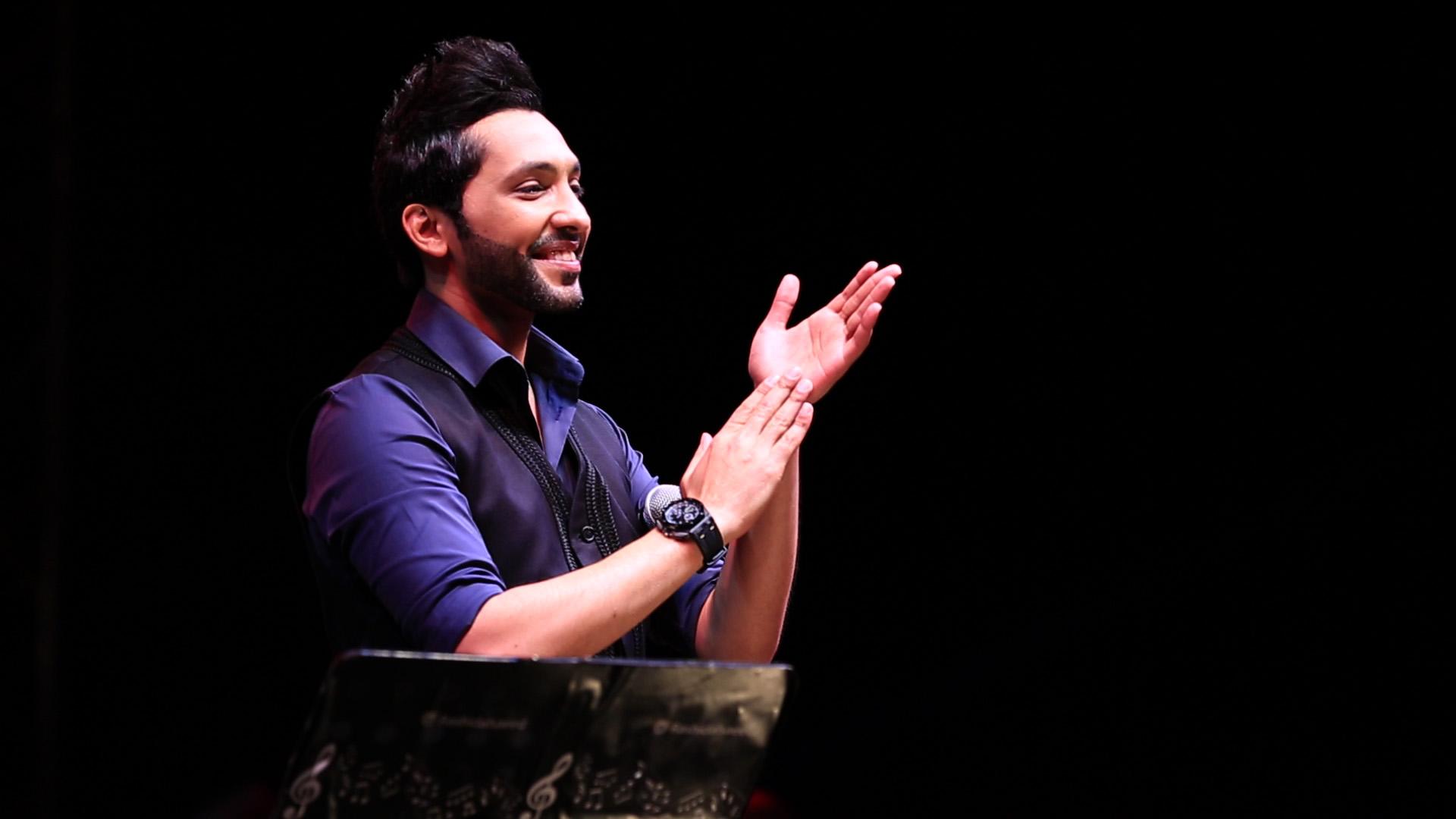 صورة فهد الكبيسي والجمهور يشعلان جلسات الشاطيء في دبـي