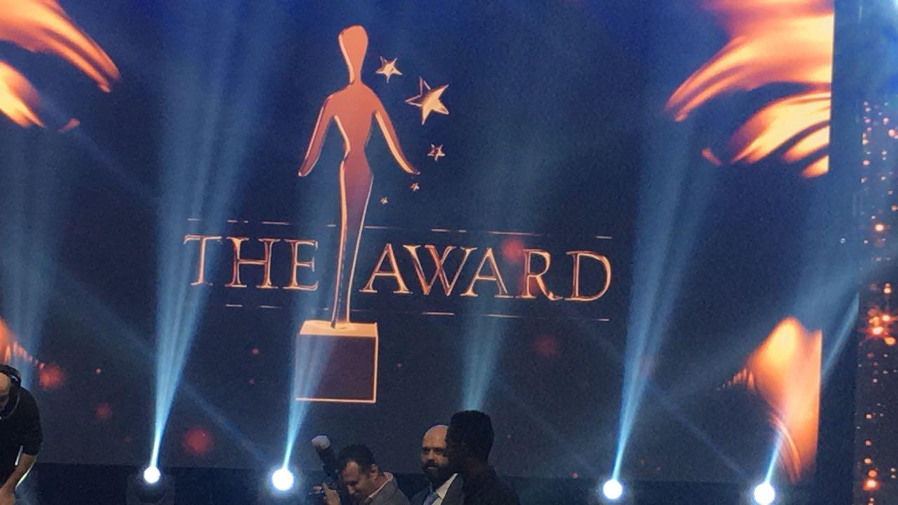 """صورة جائزة التميّز الذهبية للموسيقار د. طلال في مهرجان """"ذا أوورد"""" في بيروت"""