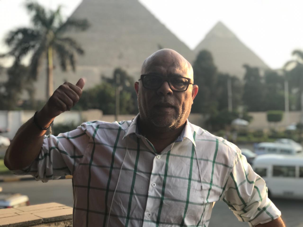 صورة عماد دبور يجمع النجوم العرب