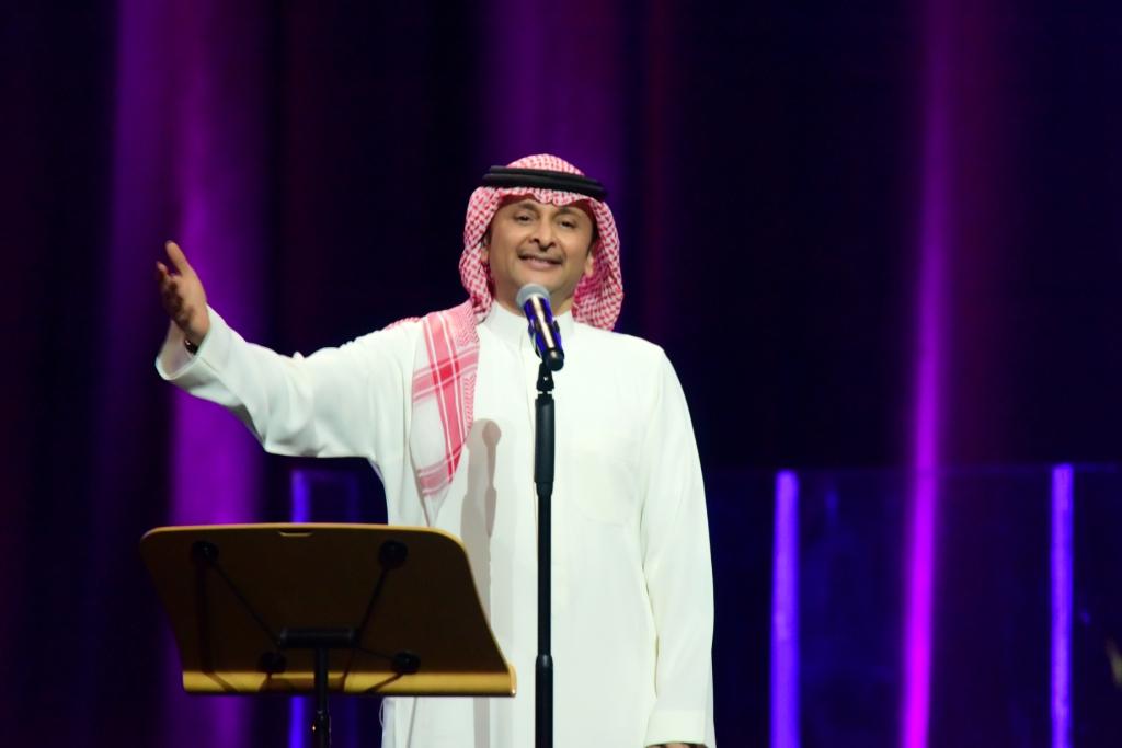 صورة الفنان عبد المجيد عبدالله كالعادة يشدو ويتألق بأوبرا الكويت