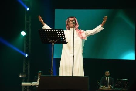 """صورة رابح صقر و شمة حمدان  في ليلة """"روتانية"""" من سهرات """"حفلات دبي"""" لاحتفالات الأضحى"""