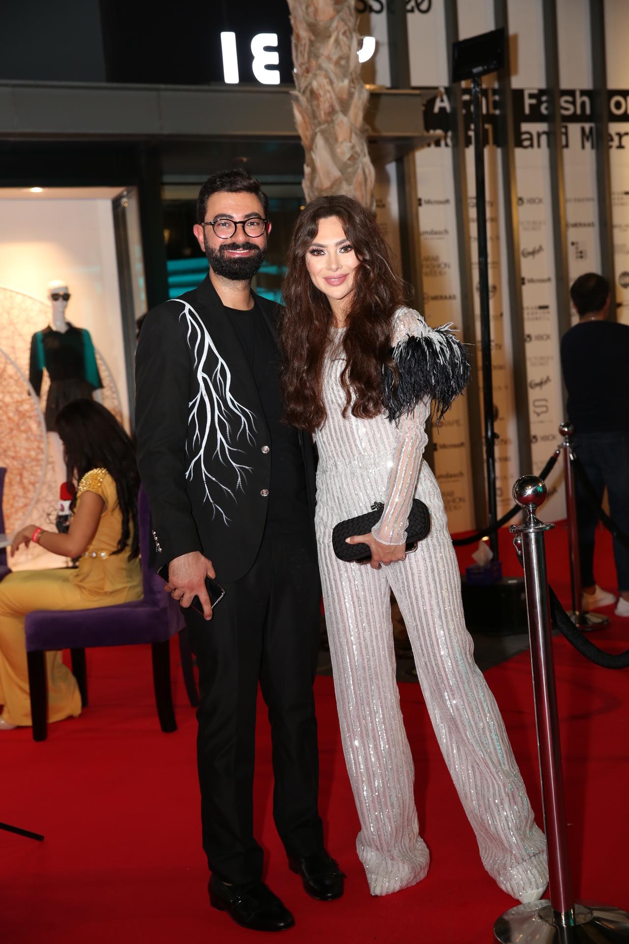 صورة المصمم نجا سعادة يقدم مجموعته بدبي ضمن اسبوع الموضة العربي