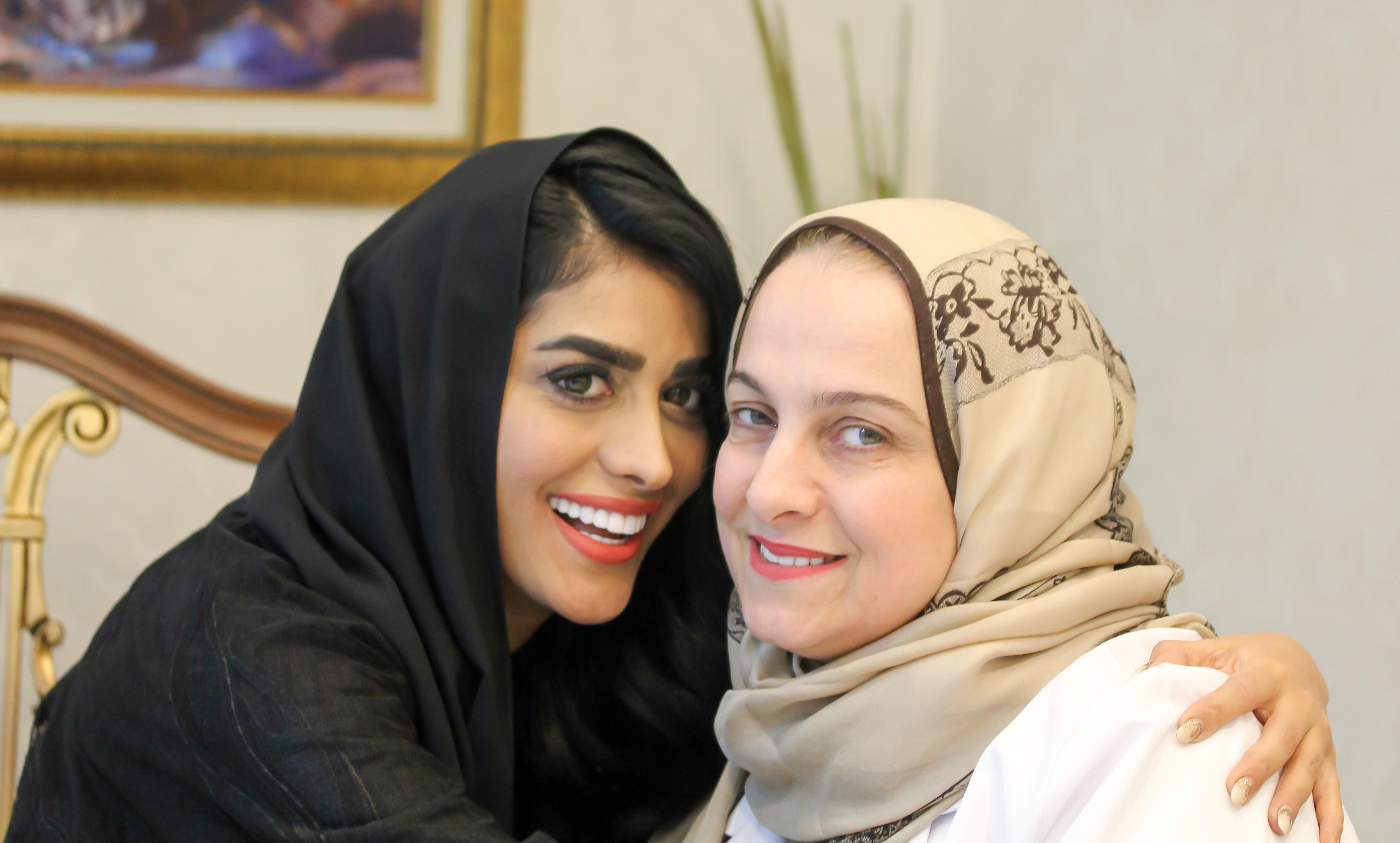 """صورة """"  حصة الرياسي تجدد إبتسامتها الهوليودية بيد   الدكتورة أروى عطالله في دبي"""